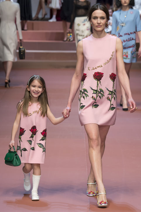 dolce-gabanna-fall-2015-runway-mom-little-girl-h724