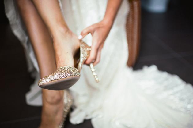 03industrial-chic-wedding-sydney-australia-gold-hat-photography-Badgley-Mischka-shoes-1.jpg